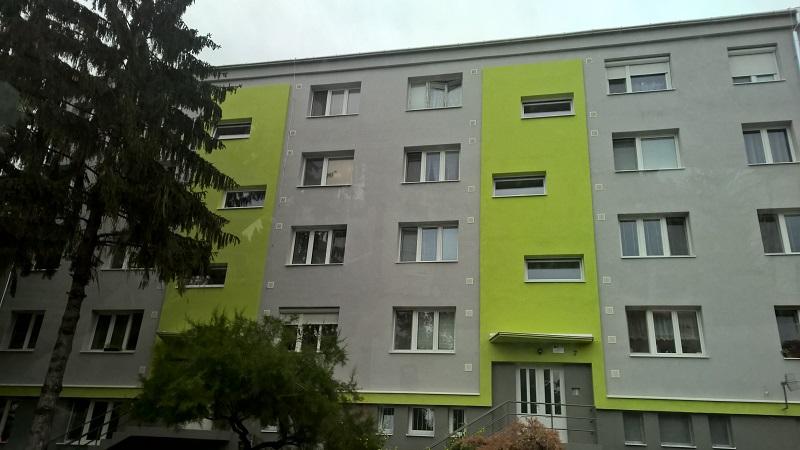Szlovákiai_panelprogram_színes_házai