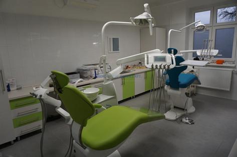Kétszékes, Diplomat kezelőegységekkel felújított fogorvosi rendelő