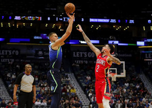 Luka Doncic, Mavericks stay hot with 46-point rout of Pelicans
