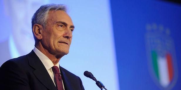 """Presidente de la Federación Italiana considera """"imposible"""" mantener protocolos"""