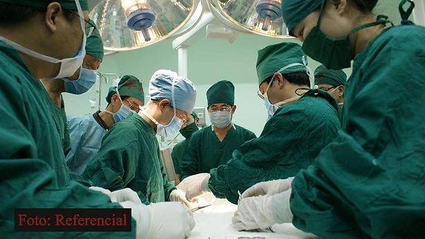 Mujer dona su riñón a expolicía que la arresto varias veces