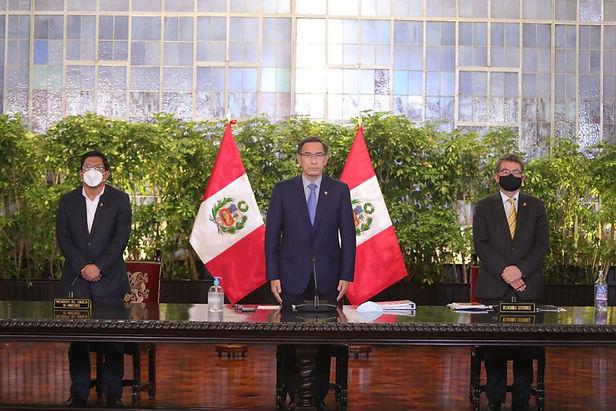 Presidente Vizcarra convoca a elecciones para el 11 de abril de 2021