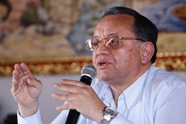 Edgar Alarcón exhorta a autoridades a culminar obras en hospitales