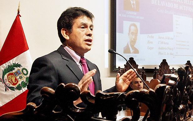 Junta Nacional de Justicia lo suspende por seis meses a Tomás Gálvez