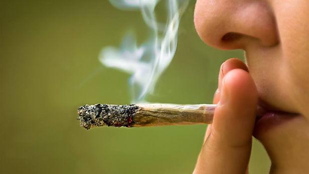 Fumadores tienen mayor riesgo de desarrollar síntomas graves del Covid-19