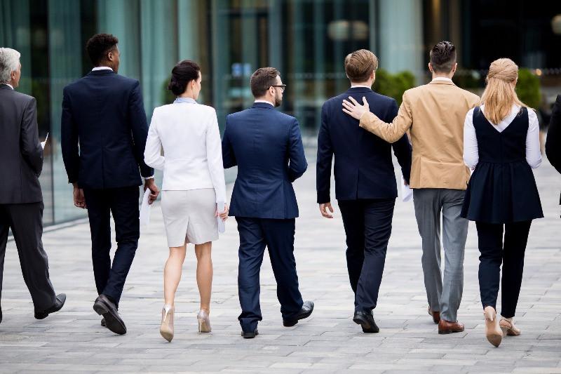 A munkahelyi jóllét csökkenti a fluktuációt.