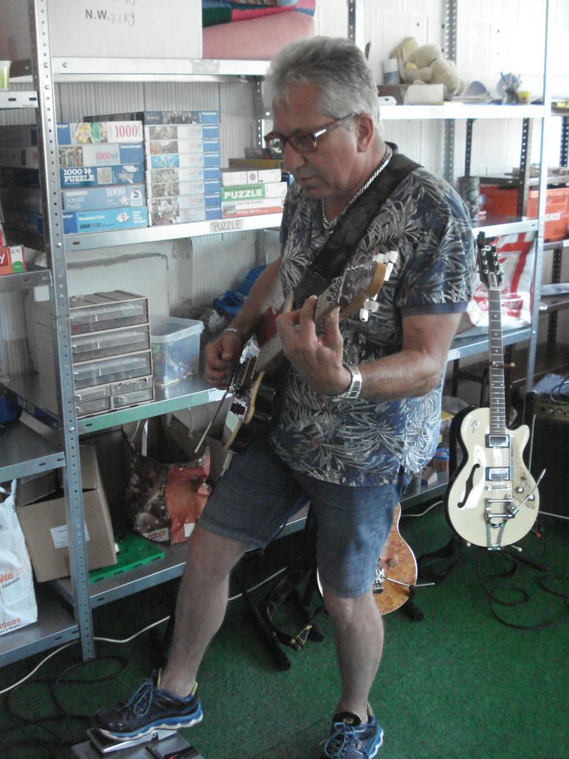 Mario Gitarre 5.1.jpg