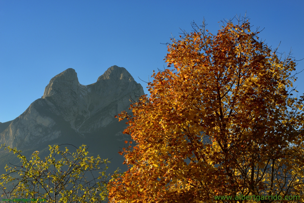 El pedraforca in the fall