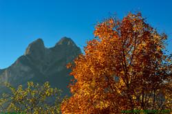 El pedraforca im Herbst