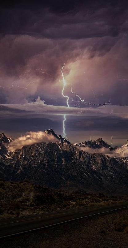 Frightening Lightning Vertical