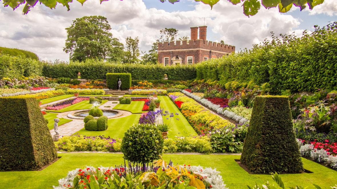 The History of English Gardens