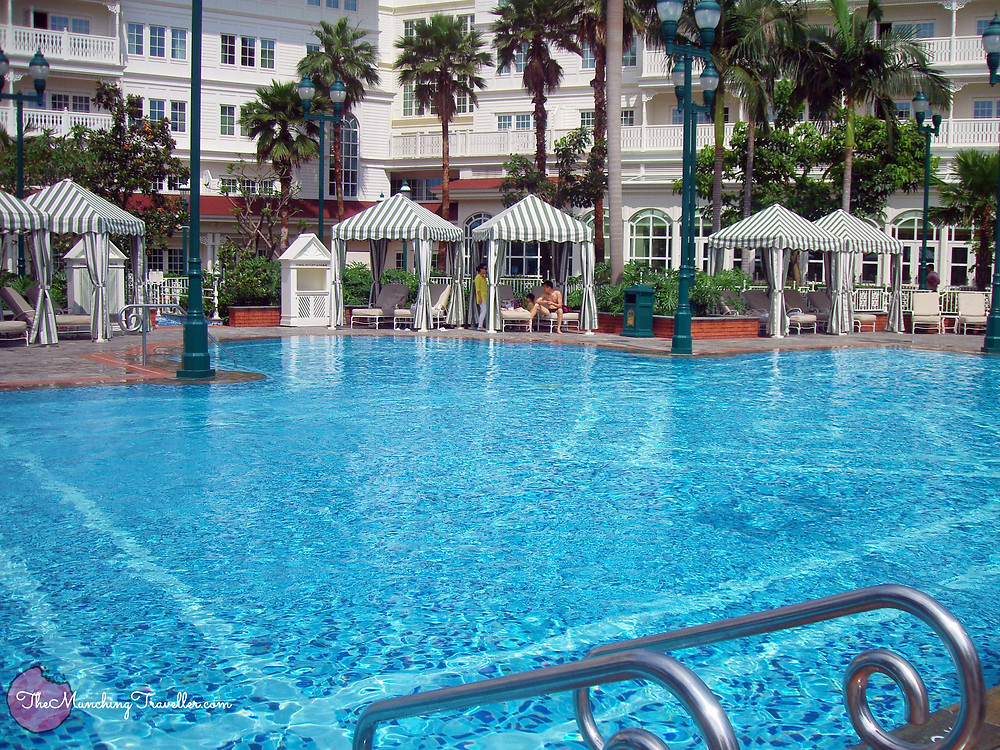 Pool at Hong Kong Disneyland Hotel
