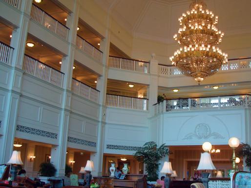 Hong Kong Disneyland Hotel: Should I stay at the hotels in Hong Kong Disneyland?