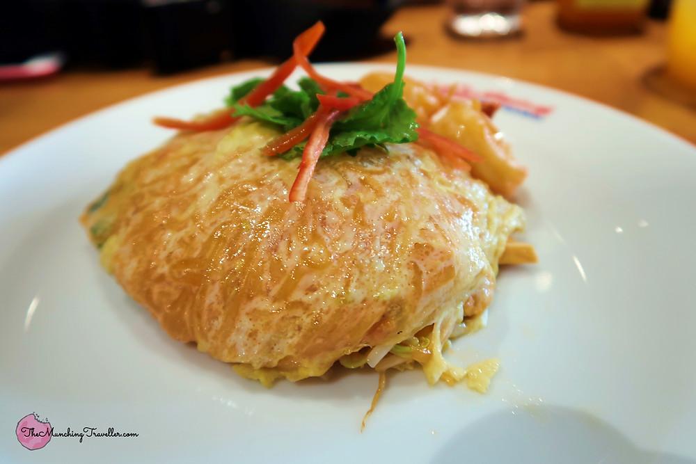 Exploring Michelin Street Food in Bangkok, Thailand - Thip Samai