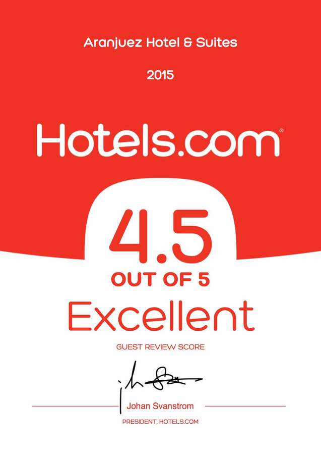 Expedia Loved by guests 2015