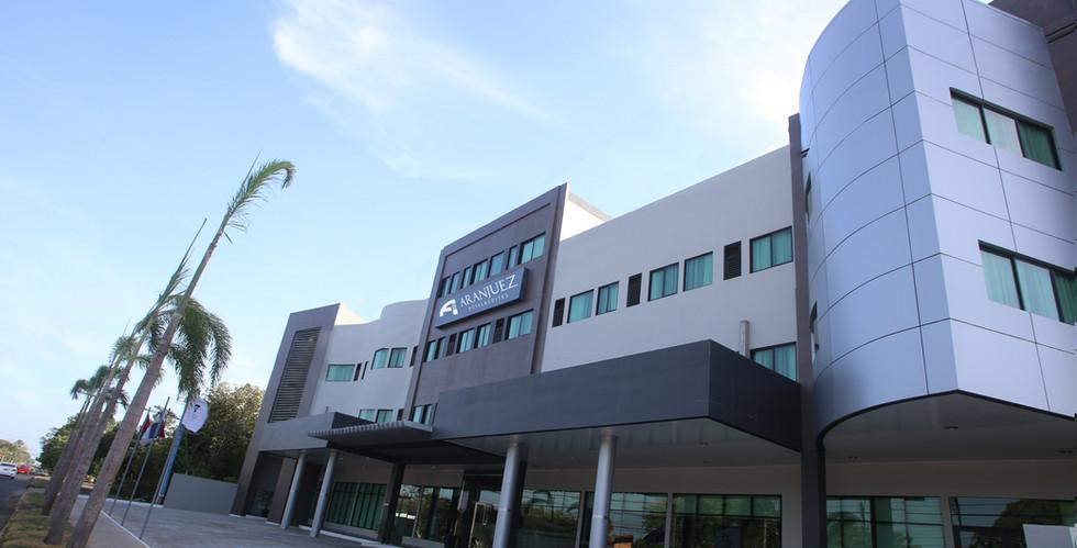 Fachada principal del Hotel Aranjuez de Panamá