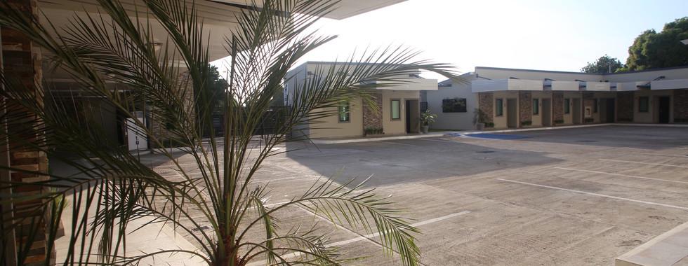 Habitaciones de planta baja (Parking Level) con acceso directo desde tu auto