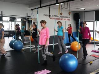 Ali lahko vadba pomaga pri lažjem porodu?