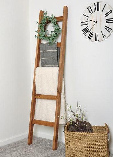 Wood blanket ladder