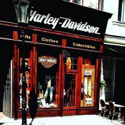#prague #harley #harleydavidson #town #Praga  #motor #style #clothes #motorcycle #motorclothes _Supe
