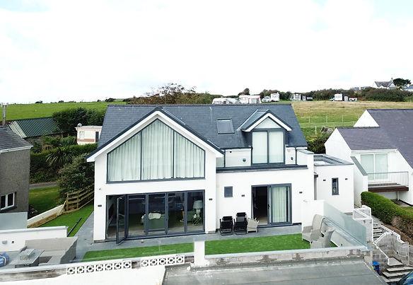 Cae-Du-contemporary-coastal-renovation-e