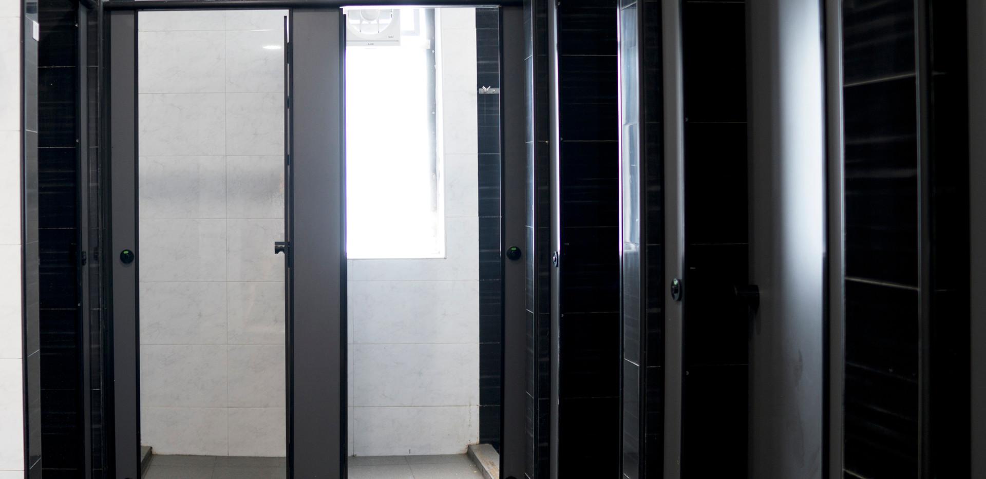 Toilet1_9797.jpg