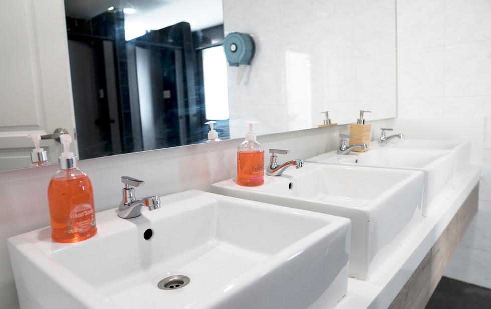Toilet_9810.jpg