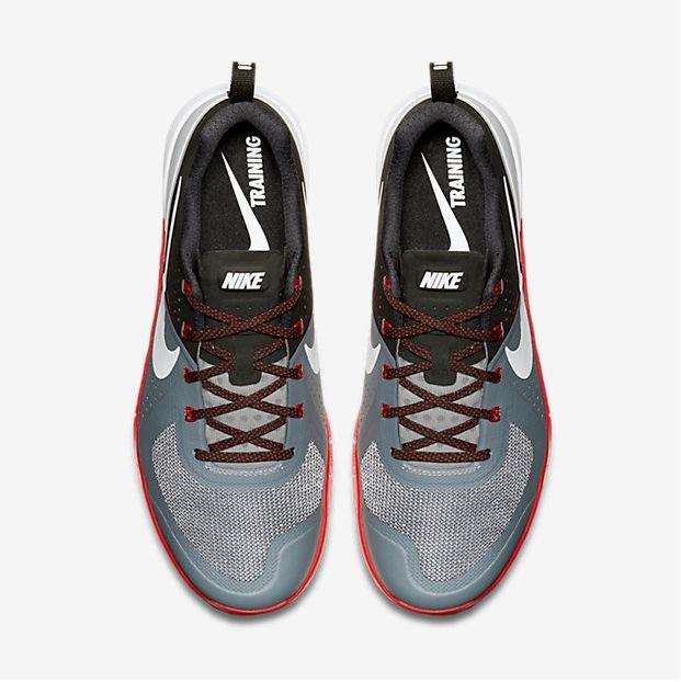Nike Metcon 1 - Cool Grey, Black, University Red, White 4