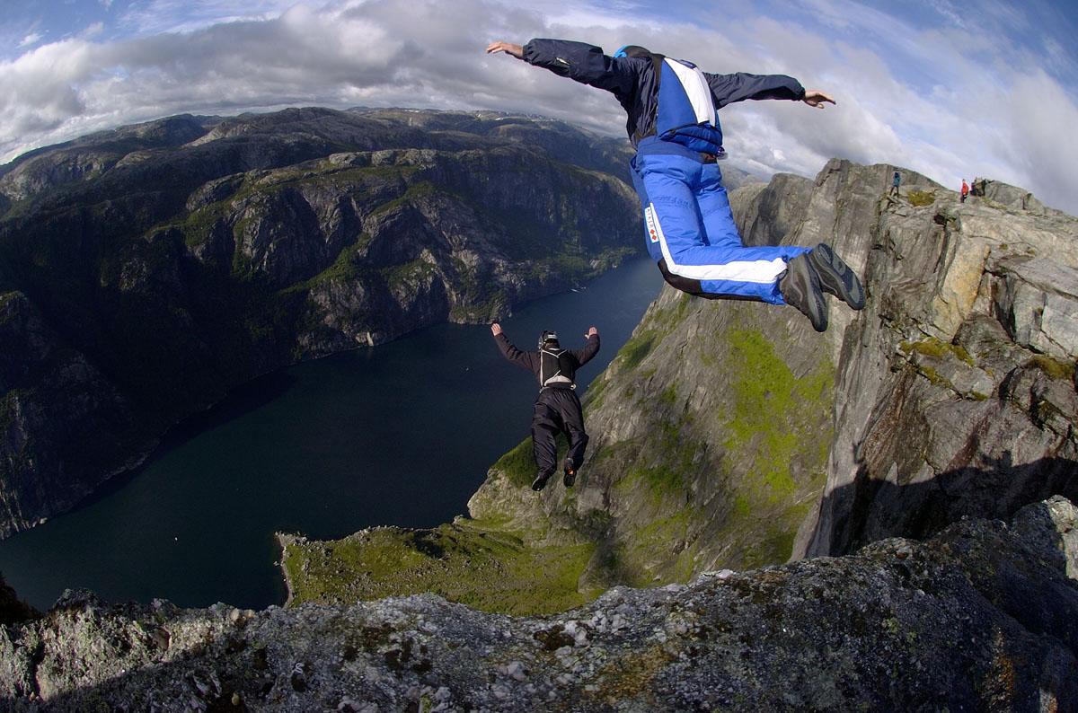 Base Jumping 1