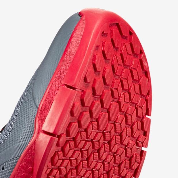 Nike Metcon 1 - Cool Grey, Black, University Red, White 7