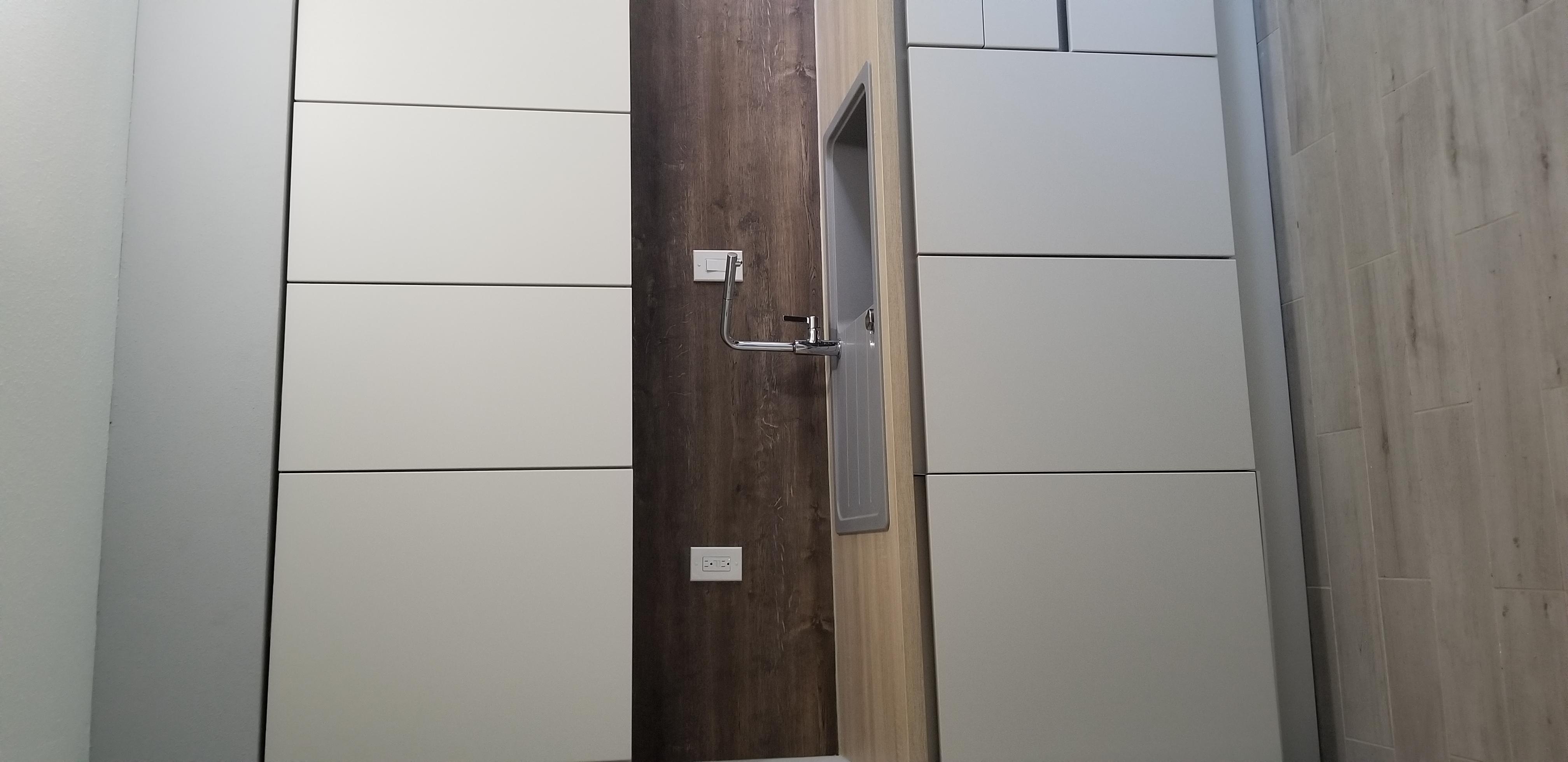 Modern matt handleless kitchen,Texas