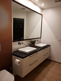 storage vanity for bathrooms