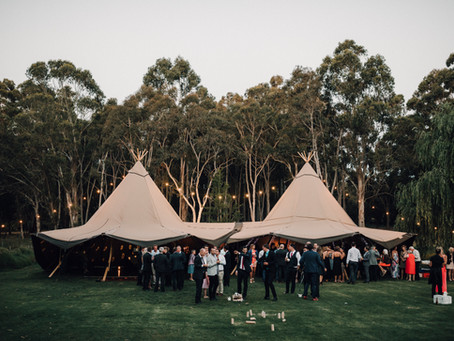 All The Pros Of A Blank Canvas Wedding