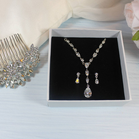 Tops tips for selecting the perfect bridal jewellery