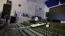studio 1 console