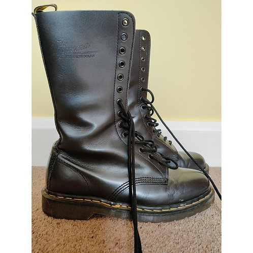Dr Matens size US 9 UK 8 - worn for 3 hours