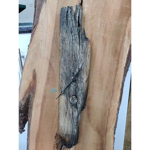 Driftwood clock with Quartz time piece