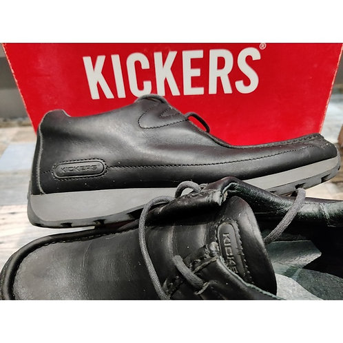 Classic Kicker Shoes in size 9