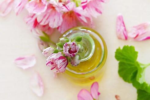 réalisation de baumes avec les huiles essentielles, se soigner ave les huiles esentielles