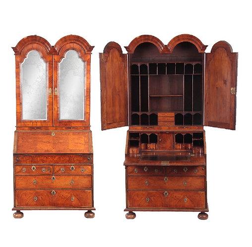Late 17th Century William & Mary Herring Banded Figured Walnut Domed Bureau