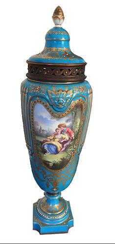 Vincenne - Sèvres Pot Pourri lidded Vase