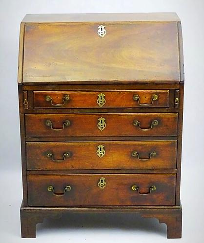 Rare short Georgian (Mid 18th Century) Mahogany Bureau