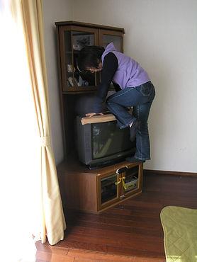 発達障がいのあるお子さんの行動特性に配慮したテレビ収納台