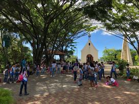 Visita da Escola Oasis do Primeiro Mundo ao Santuário