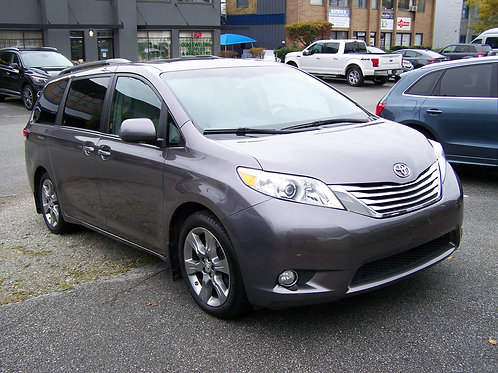2011 Toyota Sienna XLE Limited 7 Passenger Minivan