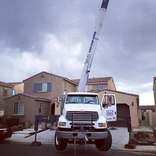 First crane lift while snowing _#dmscran