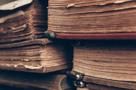 books-4812032_1920.jpg