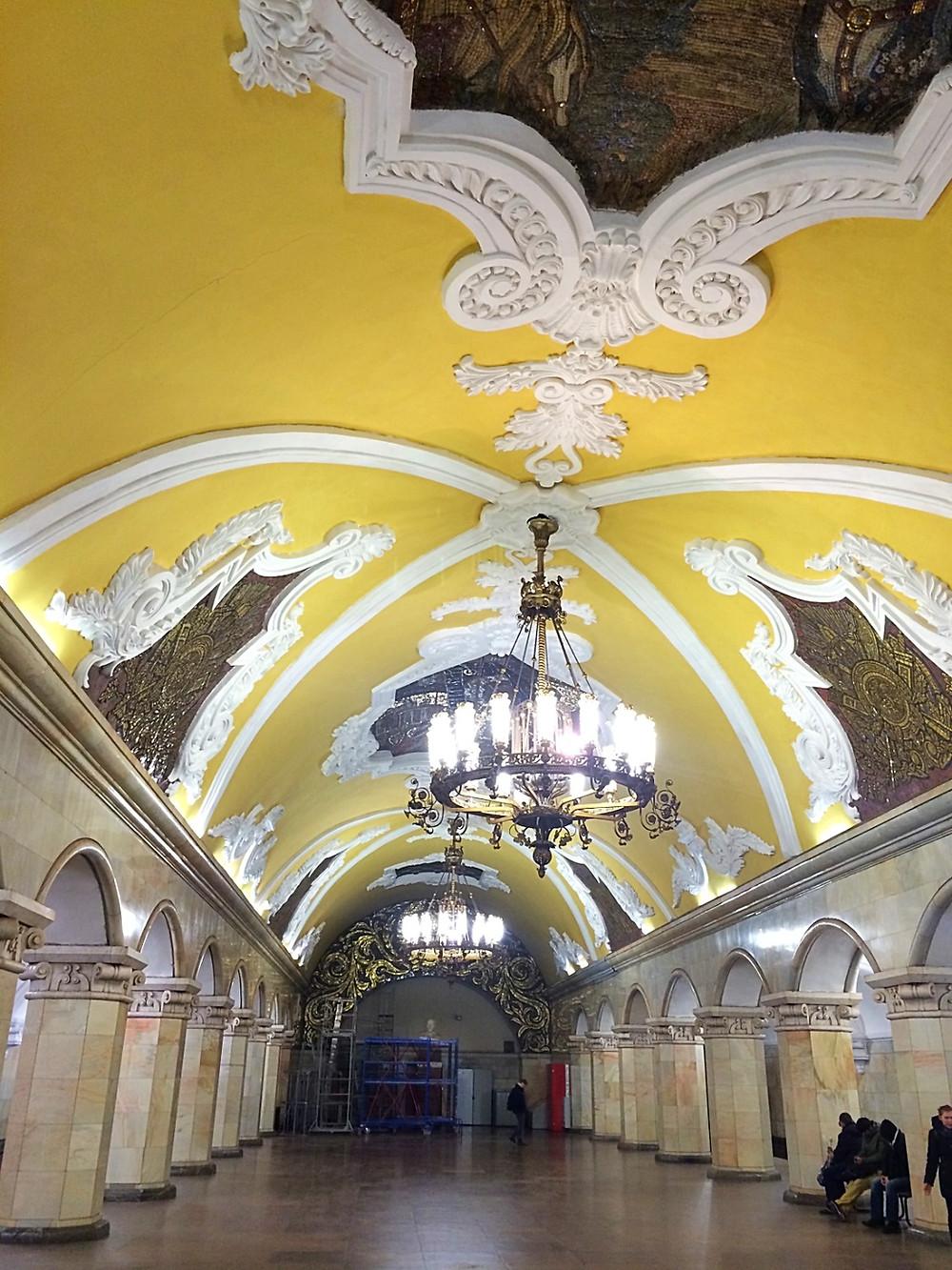 Estações de metrô russas.