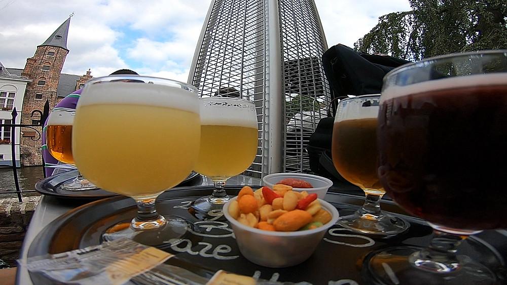 2be Beer Wall em Bruges