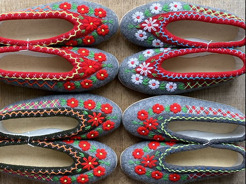 Ela embroidered slippers size 37